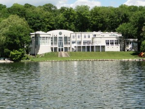 Lake Minnetonka; Homes for the Rich and Famous